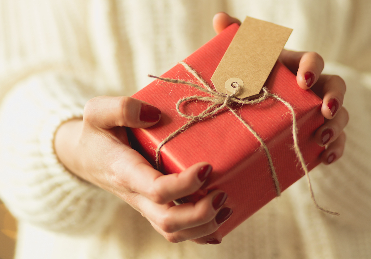 Gifts for Seniors to Engage and Connect with Family