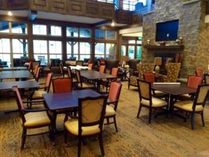 Photo of the dining hall in Northshore Senior Living